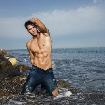 Sesión en las playas de Málaga con el modelo Alexander Calvo
